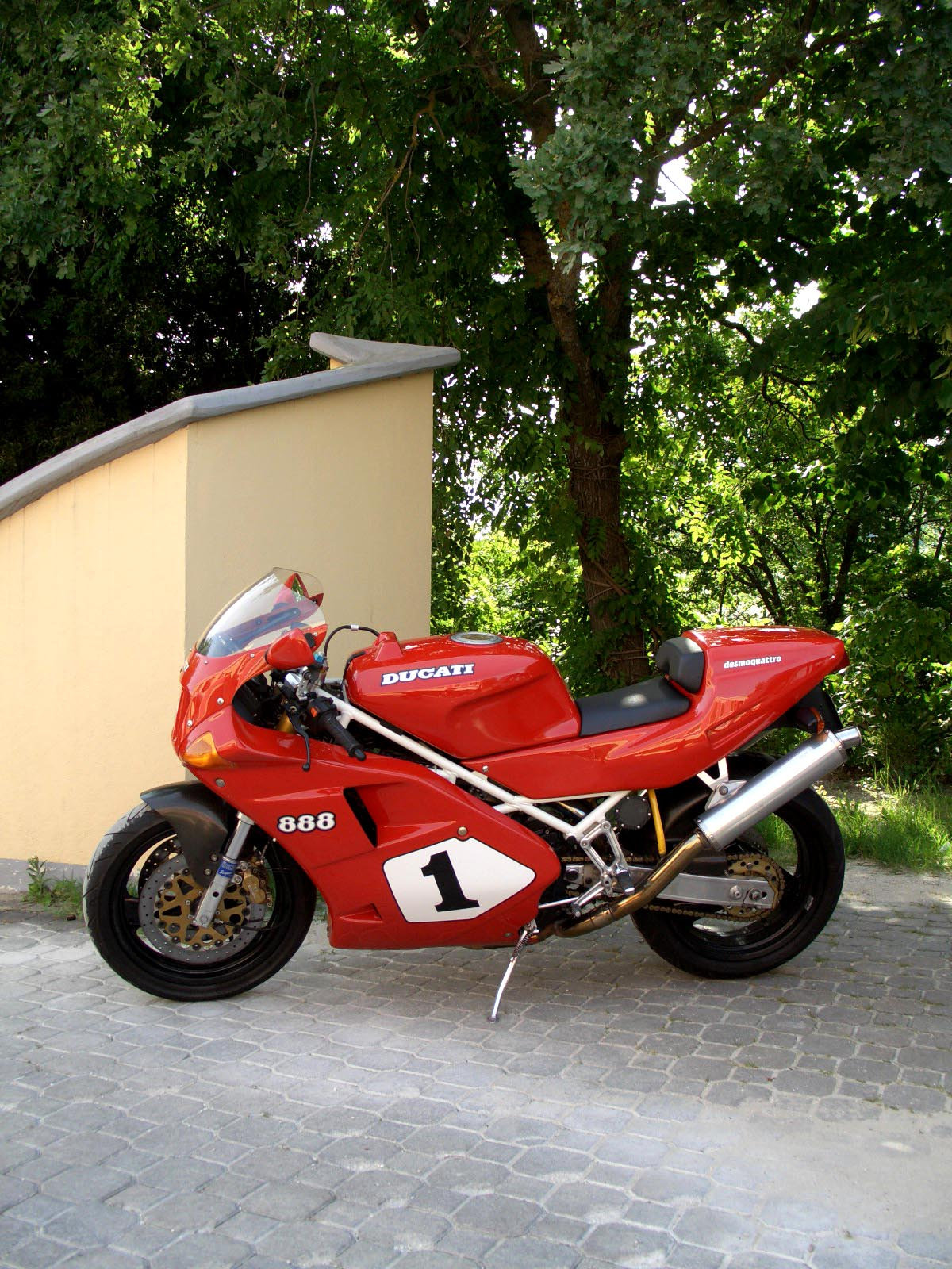 888 reasons to buy an old Ducati